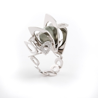 "Alessandro Averla ""Modules"" White Gold Ring"
