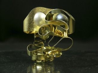 "Alessandra Averla ""Wave"" Yellow Gold Ring"