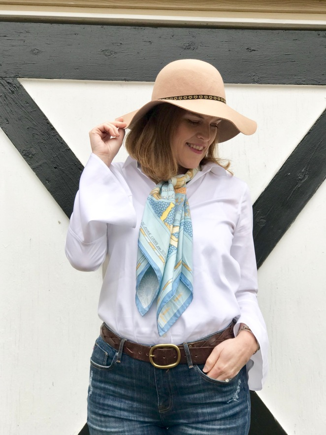 How to Create 5-Piece French Chic Wardrobe: The White Button-Down Shirt