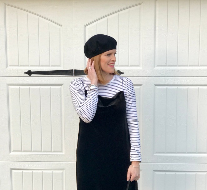 How to Get that Effortless Parisian Girl Look